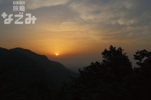 中禅寺湖の朝焼け
